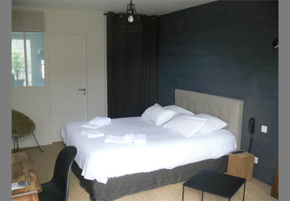 h tel de charme noirmoutier vend e h tel le ch teau noirmoutier en l 39 ile. Black Bedroom Furniture Sets. Home Design Ideas