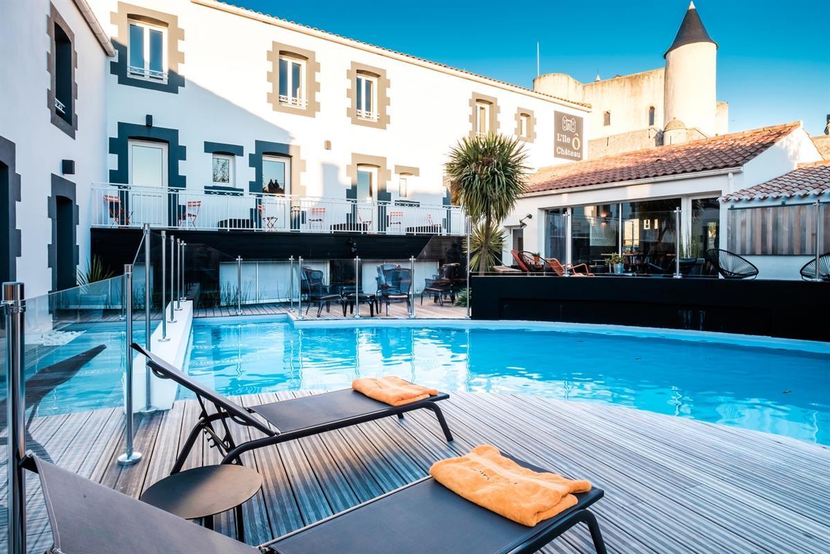 hotel de charme noirmoutier avec piscine vend e le ch teau. Black Bedroom Furniture Sets. Home Design Ideas
